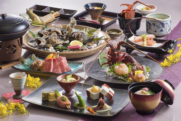 きめ細かく柔らかな「松阪牛」と新鮮でプリプリの「伊勢海老」の豪華饗宴 『清流懐石』 2019