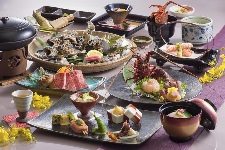 きめ細かく柔らかな「松阪牛」と新鮮でプリプリの「伊勢海老」の豪華饗宴 『清流懐石』プラン 2020