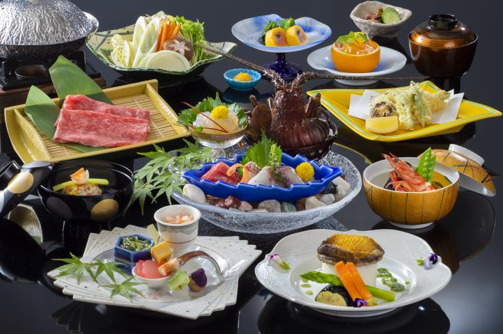 ◆海の王様『伊勢海老・鮑』と、日本三大和牛『松阪牛』を味わう豪華三大味覚会席プラン【神楽会席】 2020